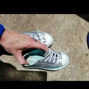 79dad10a1bf3 Converse Shoes - Elastic Laces CONVERSE sz 2Y Girls Silver Blue